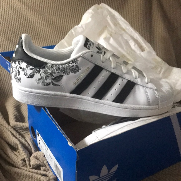 adidas superstar flower embroidery white blue